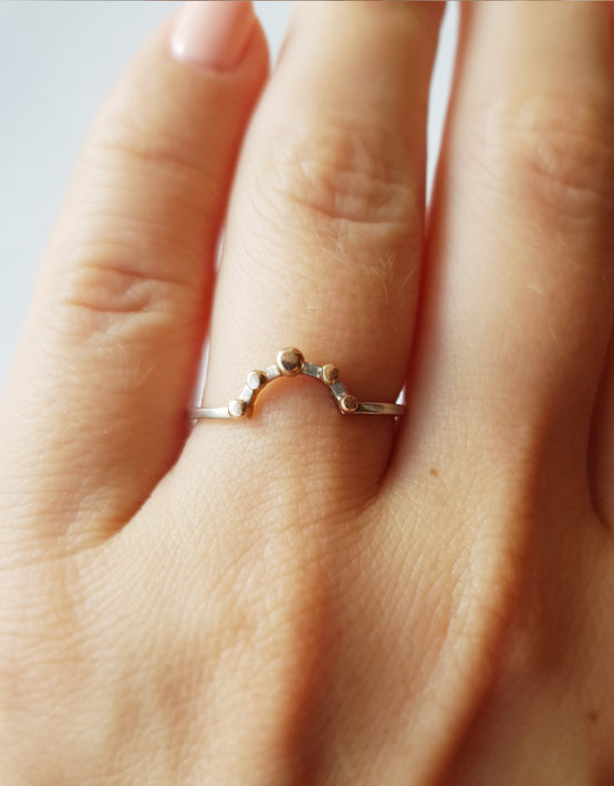 arc silver ring with gold droplets