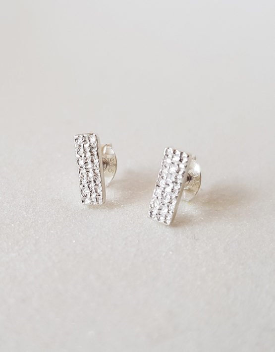 simple bar earrings for woman